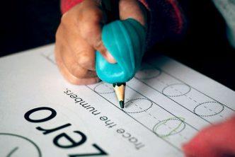 impugnature scrittura matita